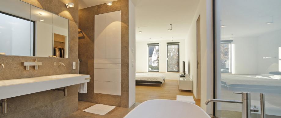 Ansicht eines Badezimmers in einer Villa nahe München